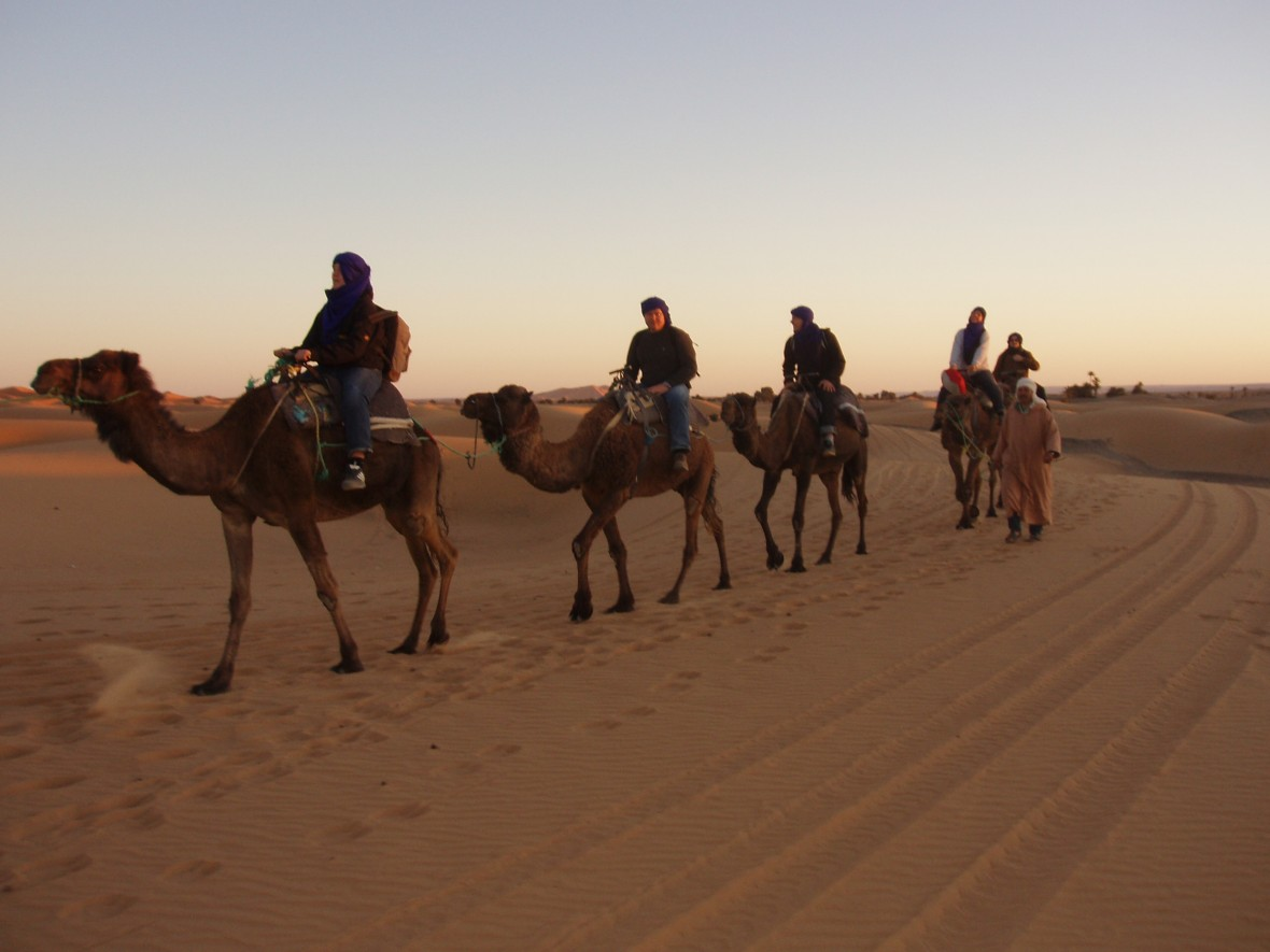 Merzouga grand sud du Maroc, circuits Maroc désert, oasis et valllées